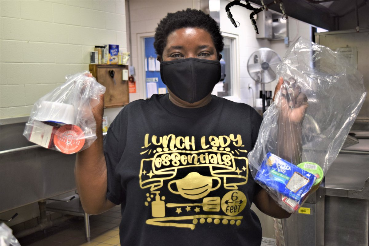 Ms. Stacy at @resdolphins is one of many hardworking nutrition and school staff to prepare food for Learn from Home families! FREE curbside meal pickup began today! Read all about FREE food for all children ages 0-18: