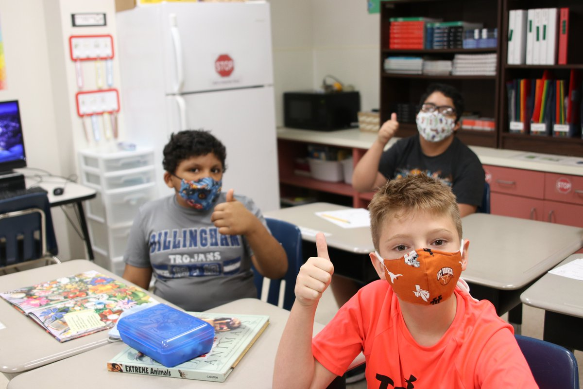 The Sherman Quilt Makers Guild has been busy providing masks to front line workers across the country during this time. Learn more about how they're helping SISD students. #BuildingBearcats