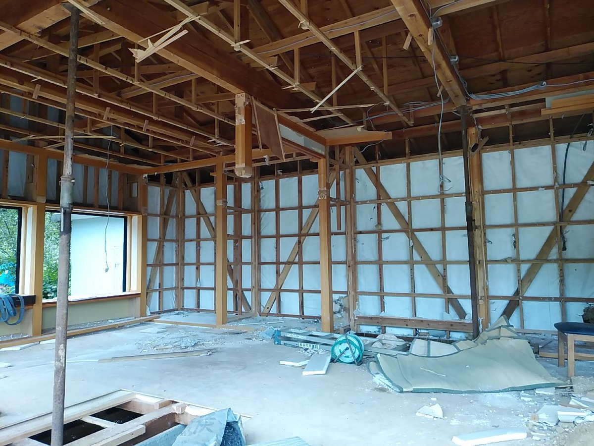 test ツイッターメディア - #宮古市 の佐々木建設です。 建築部の現場です。 #台風19号 被災家屋の解体工事です。 今日も引き続き、内部解体、外壁解体を行っています。 #解体工事 #家屋解体 #公共工事 #民間工事も承ります  #相談無料 #見積り無料 #改修工事 #リフォーム #新築注文住宅 #山田町 #大槌町 #岩泉町 https://t.co/YHcj25vZB0