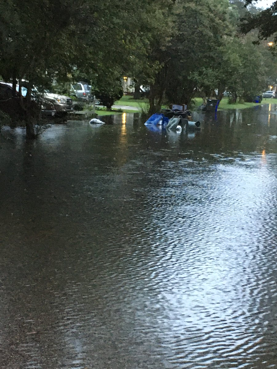Due to the weather conditions in #NorfolkVA, we understand loose litter and containers are in flooded areas. Remember: Bag trash before placing it in the bin. Compact the trash – if you have large loose items, place bagged trash on top to prevent them from blowing out.