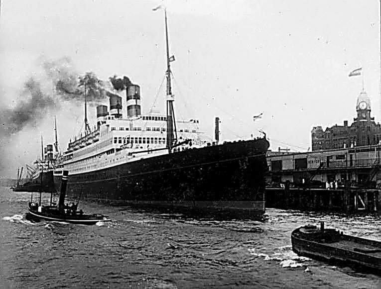 test Twitter Media - De S.S Statendam van de Holland- America line. Foto in de haven van Rotterdam in 1929. Rotterdam AD Rotterdams Dagblad The Ocean Cleanup Holland-America Line https://t.co/KmevQBiAnS