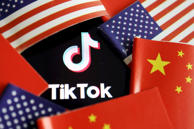 #US officials on Friday ordered a ban on downloads of the popular #China-owned mobile applications @WeChatApp and @tiktok from Sunday, saying they threaten national security #TikTokBan #WeChatBan
