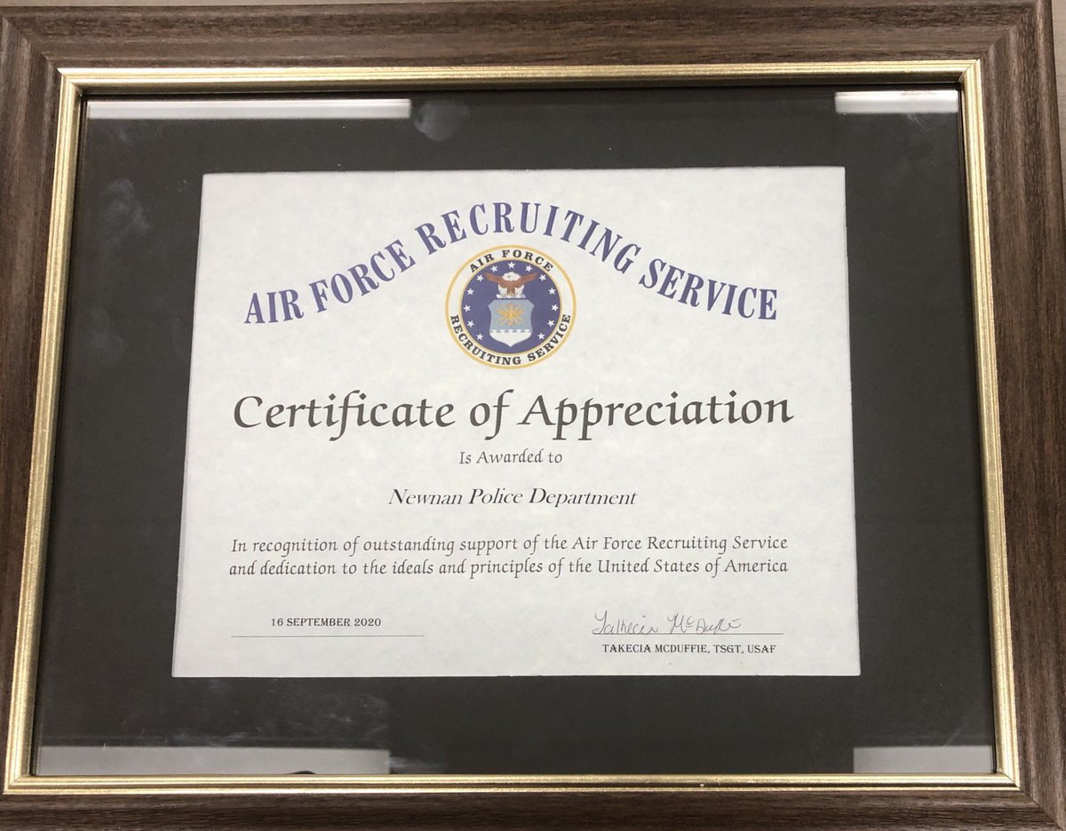The Newnan Police Department is honored to receive a certificate of Appreciation from the Air Force Recruiting Service. Sgt McDuffie presented this award to Chief Meadows today.