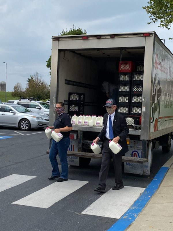 Today we were able to distribute over 400 gals of milk and 200 doz eggs.  Thanks to the Harrisburg Dairies and Rep. Frank Ryan for your support!