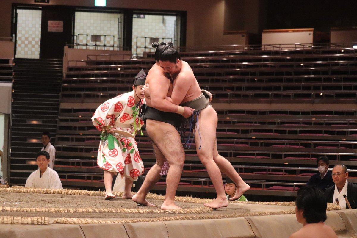 test ツイッターメディア - <八日目の様子> 9時に取組が始まりました。  序ノ口最初の取組。琴大興 寄り切り 服部桜。  #sumo #相撲 #9月場所 #秋場所 https://t.co/BZso7vwUzm