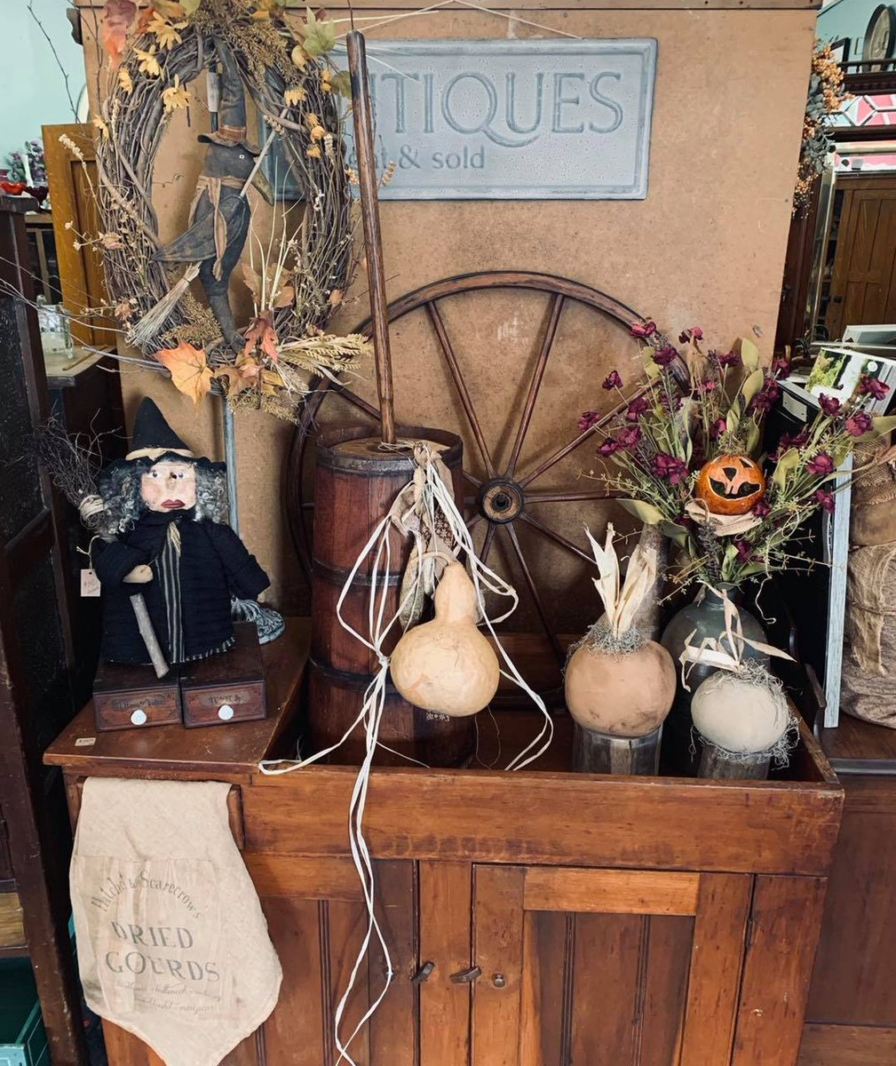 Looking for a unique Antique shop? Stop by Porch Swing Days Antique Shop located at 97 E. Second Street. A Locally Owned and Operated Shop  in Historic Downtown Chillicothe. They are the Home of Folk Art by David. #shoplocal #antiques #OhioFindItHere