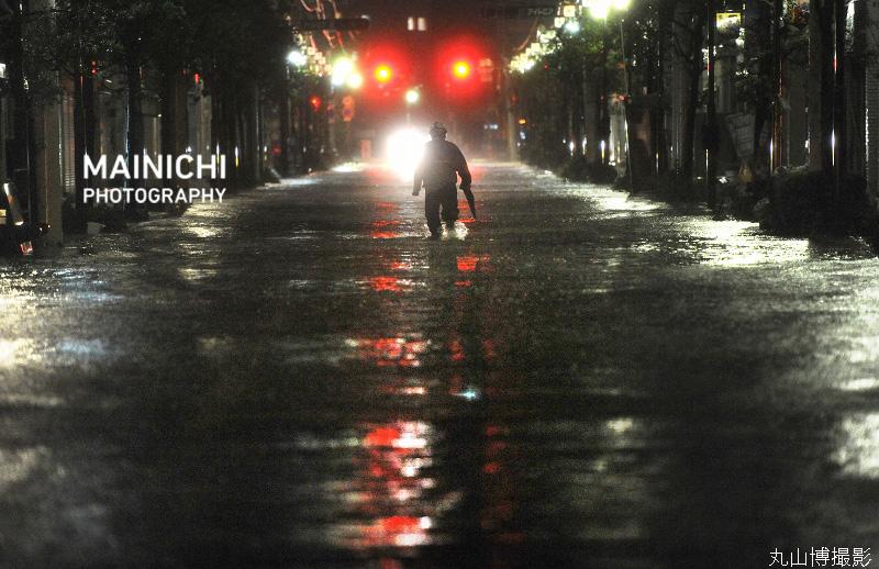 test ツイッターメディア - #東日本大震災 を振り返る写真特集 ~ あの時の「きょう」~  9月21日  写真は2011年、台風15号の大雨で冠水した宮城県石巻市の中心部。当時は震災で地盤沈下した上、津波被害を受けた排水機能が復旧していませんでした。  写真特集→https://t.co/7P6ID2h1IW 特集サイト→https://t.co/1r9zHGVXWn https://t.co/NYuN5uFOTm