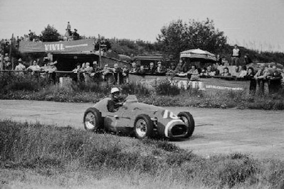 Happy 100th birthday to the world's oldest living #F1 driver, Kenneth McAlpine. Born into the McAlpine civil engineering giant, he started 7 GPs in the '50s, for Connaught, which team he eventually financed. Pic: McAlpine in the Connaught-Lea-Francis A-Type, '53 #GermanGP. https://t.co/k0yypNfqX2