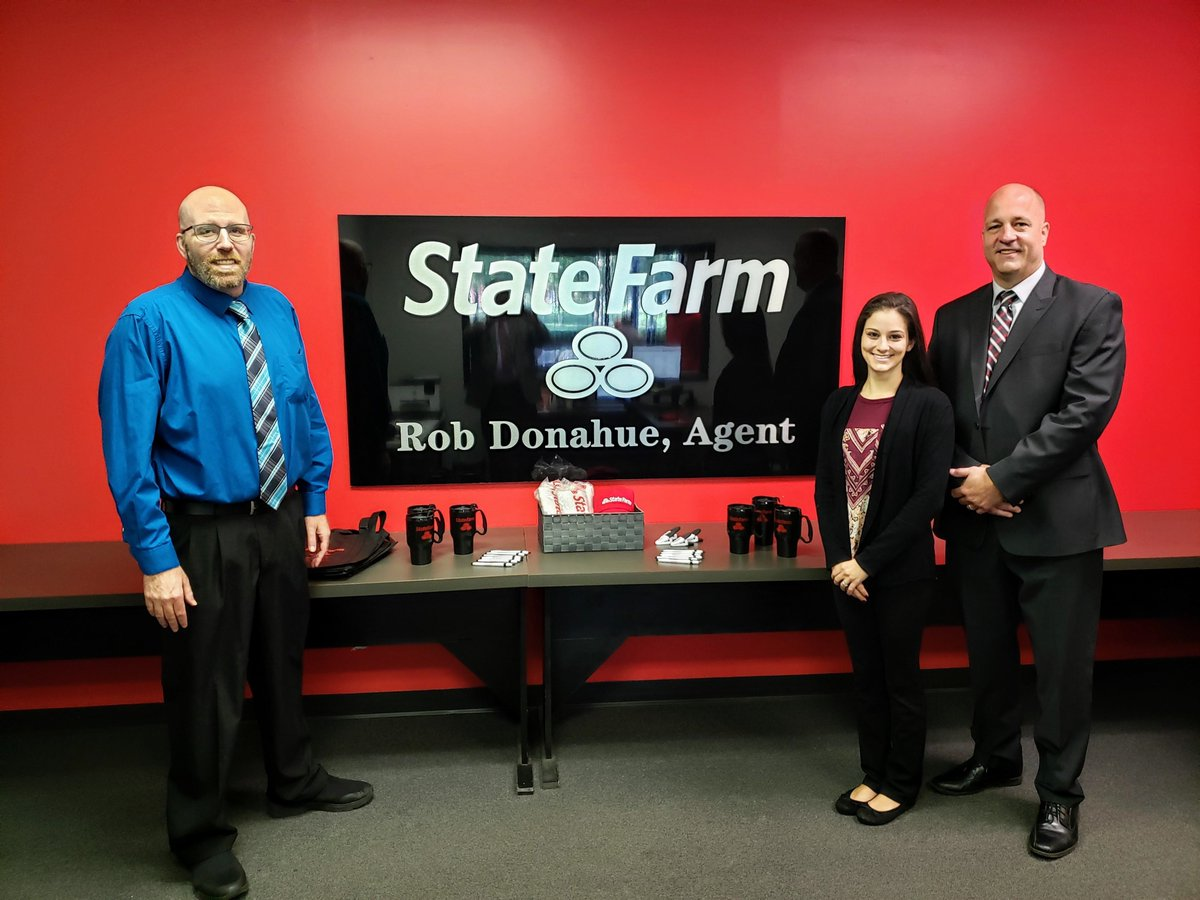 Congrats to Rob Donahue, who celebrated the #grandopening of his new State Farm Insurance office today with a ribbon cutting ceremony!  Located at 183 W. Market St. in #Warren, Agent Rob Donahue specializes in home, auto, health & life #insurance.  More: