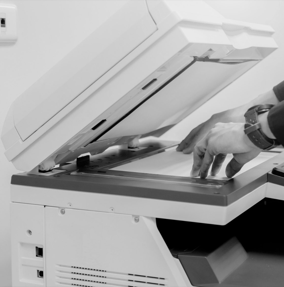 😷🖨📄@HPLCT is now offering contact-free printing!  Just send us your files through our easy to use online form and we'll print out up to five pages for #FREE. Pick up is done by appointment using our Contact-Free Pickup service.  Learn more: