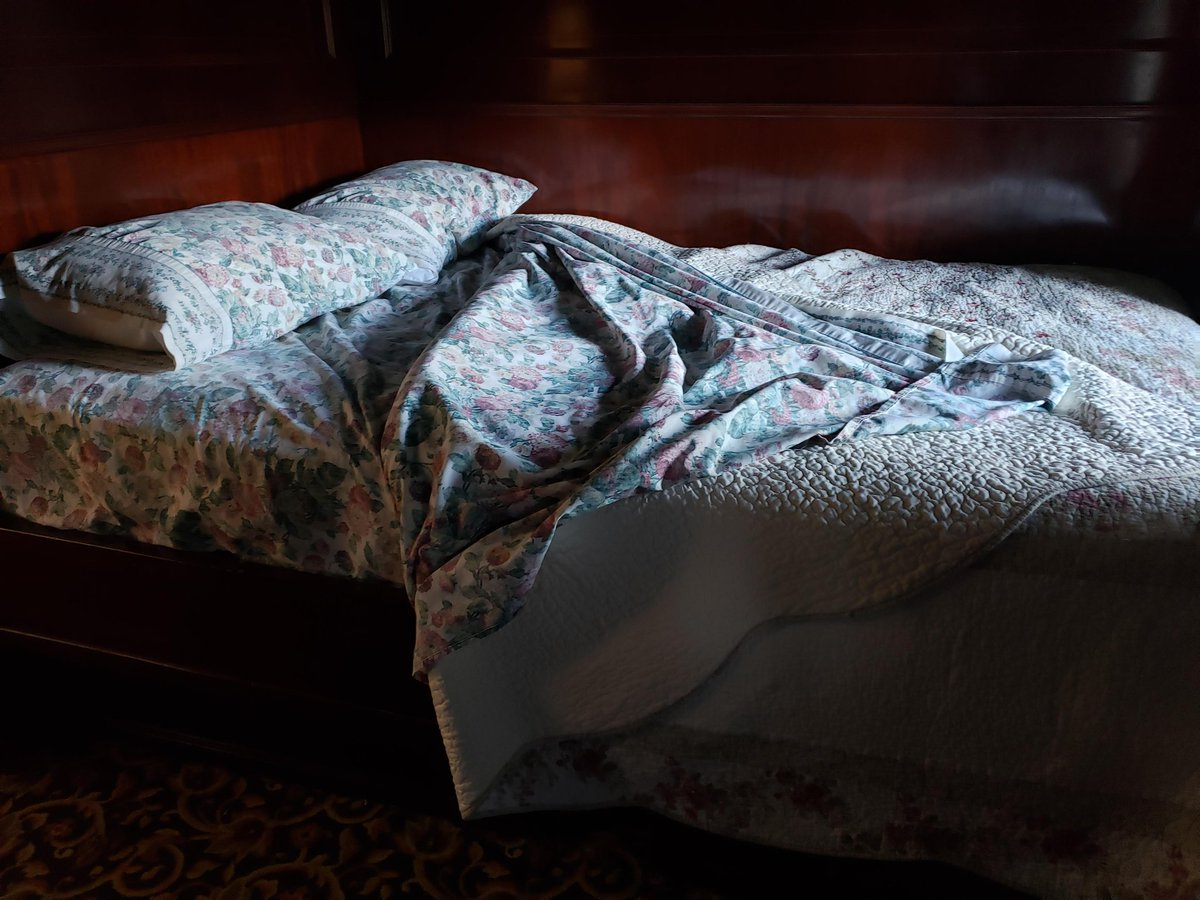 Have you ever wanted to sleep in the President's bed?   You can at Depot at Doolittles!  #socialmediatakeover #visitclearfieldcounty @daytripgal  #depotatdolittles