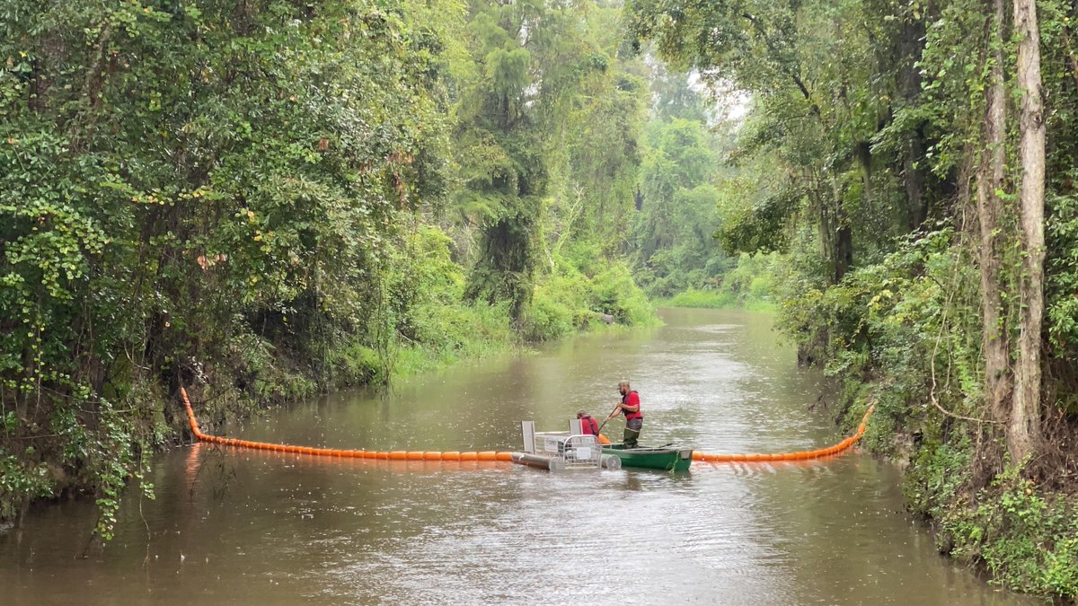 On Sep. 19th, a new Litter Gitter was installed on the South East side of Tangipahoa Parish on Selsers Creek. The trap will catch litter on the creek from all the tributaries from the Hammond Airport flowing South. Thank you DSLD Homes for sponsoring this for the next 12 months!