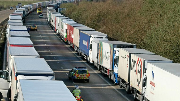 test Twitter Media - Brexit: Michael Gove letter warns of 'queues of 7,000' trucks after transition period ends  https://t.co/8kYgg8xC5M https://t.co/kUIhPYfaKV