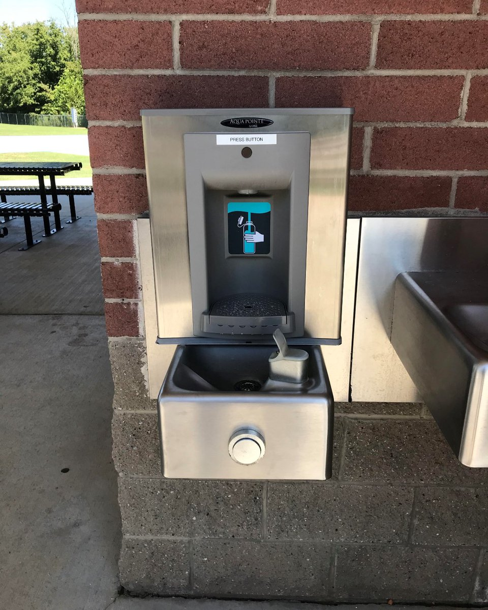 A new water bottle filling station was installed recently at Etowah River Park.  Our team at Public Works is preparing more park locations for additional bottle filling stations in the coming months. #coolestsmalltowninamerica