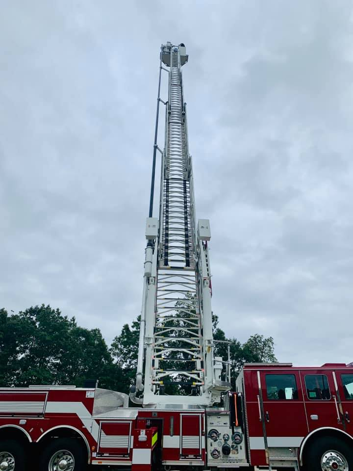 The  Henry County Board of Commissioners approved the leases of a new ladder truck and squad to replace 15 & 17 year old apparatuses! Leasing instead of buying will get the apparatuses in service as soon as 45 to 60 days versus waiting ~18 months for new builds.