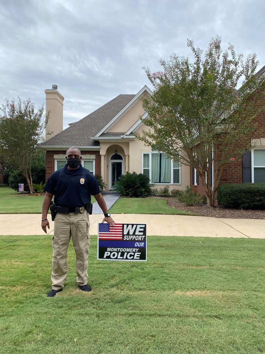 Corporal Cooper is out delivering signs today! Shout out to Boosters Incorporated for creating and donating these awesome support signs. We thank you!! 💙🖤💙🖤