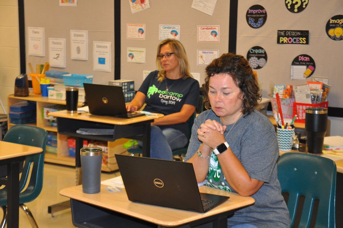 CLES holds its first-ever EdCamp! You've seen these events before at the district-level, but CLES decided to organize its own! During the professional learning day, CLES teachers learned about topics that interest them, like utilizing screencasts to engage students in learning!