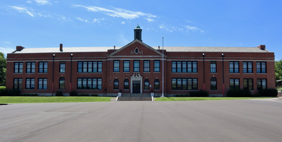@StJosephSchools Sept 23 Lindbergh Elementary students returned to school this morning for the first time since Sept 9. SJSD is asking all parents to monitor their children daily for COVID-19 symptoms. If your child is sick, keep them at home until they are well. #WEareSJSD