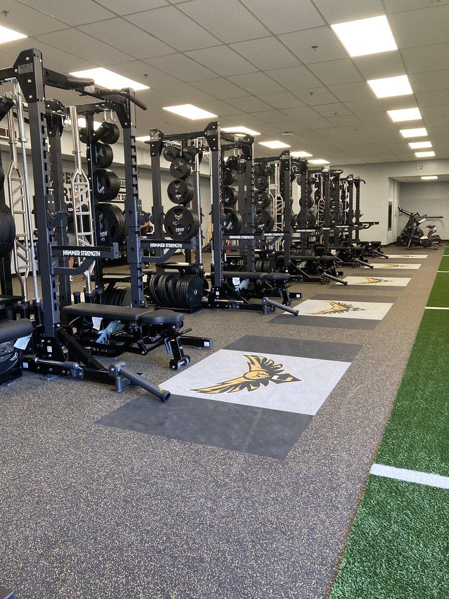 RT @SpringfieldCHS: Springfield Central's New Weightroom!!!!!!!