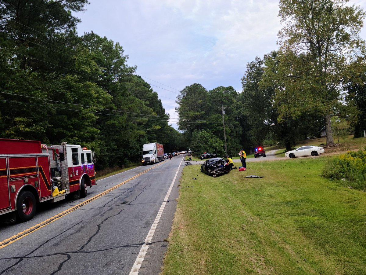 Knox Bridge Hwy at Willie West Rd is shut down due to a 3 vehicle accident involving a tractor trailer. Avoid the area if possible for approximately 40 minutes as the road is cleared.