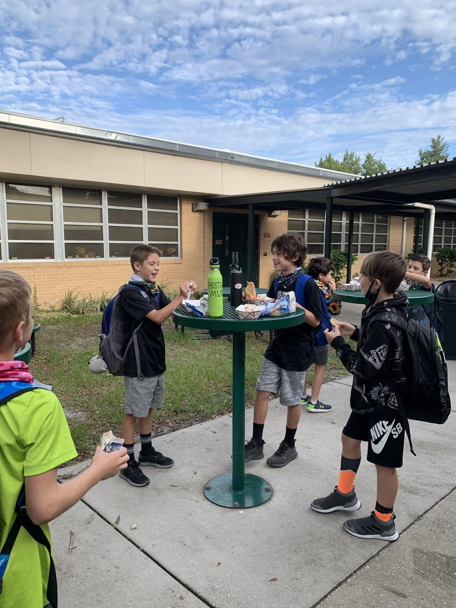 RT @ShennenBowman: Loving this cooler weather for outdoor breakfast @ShennenBowman #celebratelps @CitrusSchools