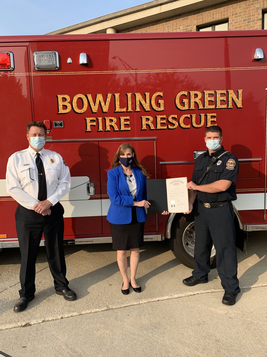 We're very proud of ⁦@bgfiredivision⁩ and all the amazing work Firefighter Brandon Westerman did that went into the American Heart Association award recently received. Thank you ⁦@theresagavarone⁩ for stopping by to recognize the Division and Brandon!