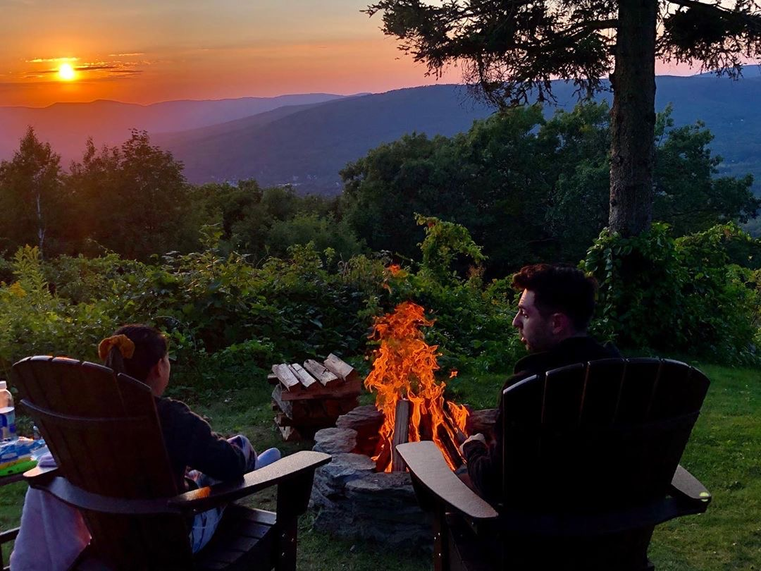 Perfect treat for residents & visitors - pop into @Wigwamwesterns1 for homemade sweets, refreshing beverages and spectacular views. #mylocalMA #letsgothere  Photos shared w/permission by Wigwam Western Summit. Check out their Insta for more travel inspiration!