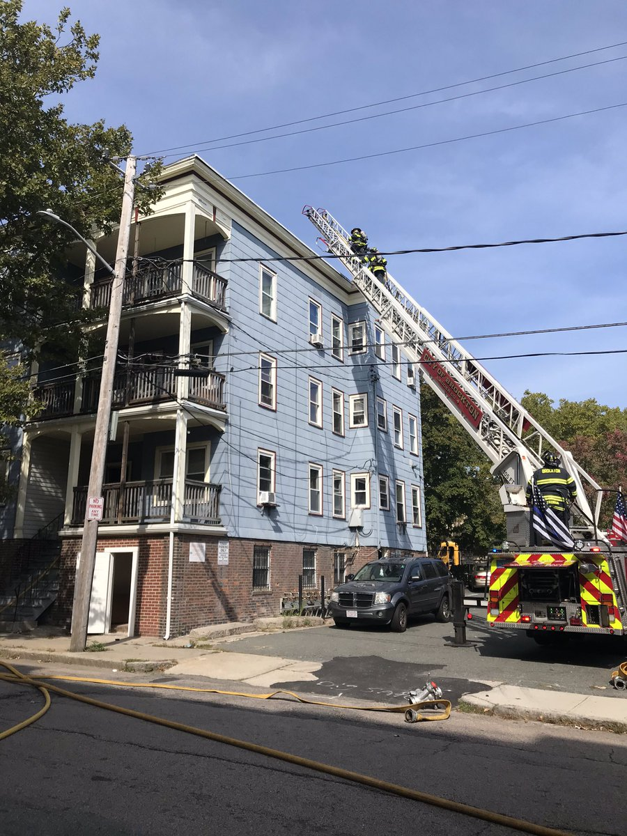 Brockton fire is currently operating at 8 White Ave. A working fire. @MassDFS @144Iaff