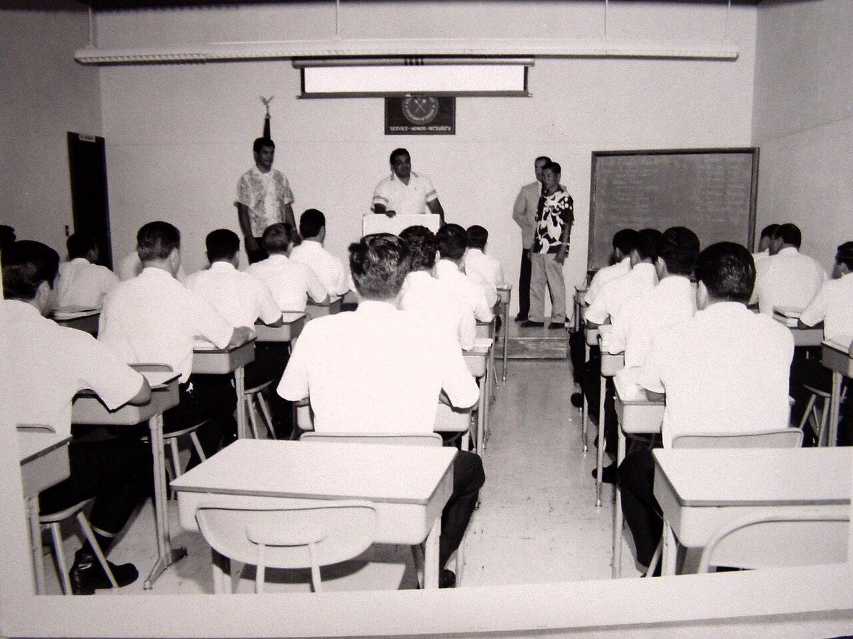 #ThrowbackThursday - HPD class. #HonoluluPD #cchnl