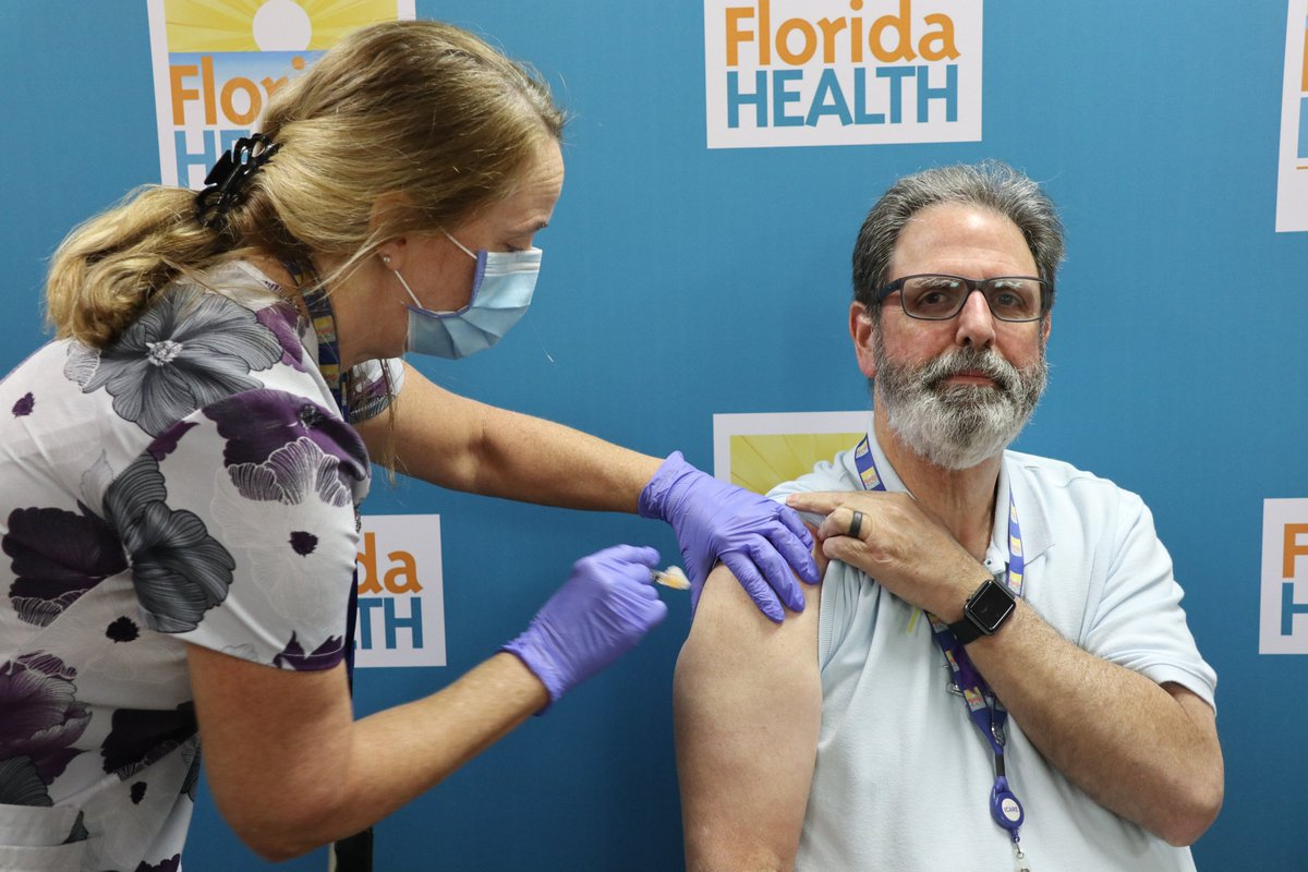 #Flu fighter & @FLHealthCitrus Administrator Tito Rubio received his annual flu vaccine this afternoon. He's got one message: Go get yours!