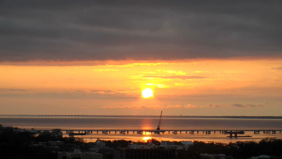 RT @ThomasGeboyWX: Fantastic Friday sunrise from Downtown Pensacola! @NWSMobile