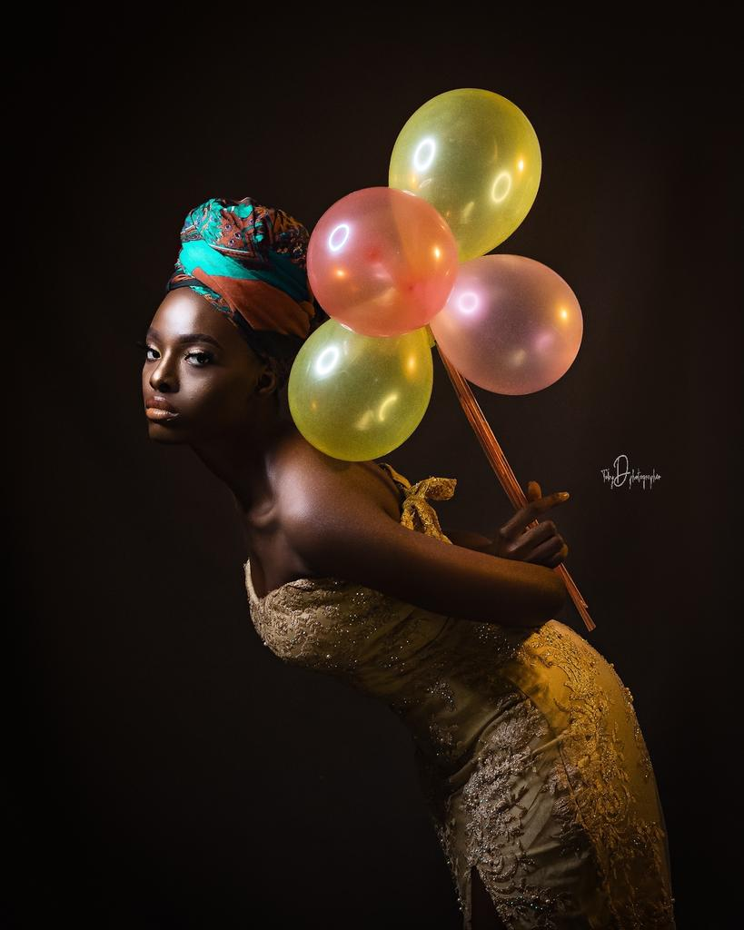 Her mind was like a balloon with static cling, attracting random ideas as they floated by. . . Shot : @TOBYDPHOTOGRAPHER muse: @chibziee  Mua: @colormemills Ast: @onlyonelade @black_.lens . .  . #beautifulwoman #beautiful #beauty #model #prettywoman #fashion #woman