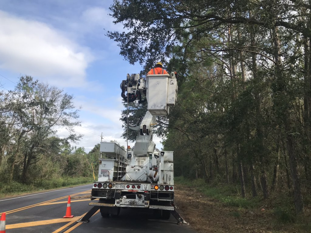 Bill from Lake Martin Tree Service & Marissa from Thompson Engineering are documenting & removing debris along SR-181 this morning. We are greatful for our hardworking contractor crews!