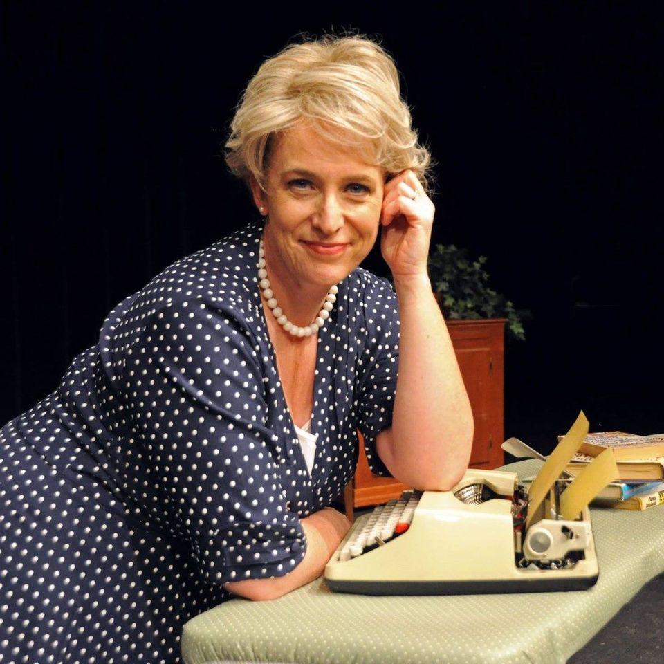 """The @LNKPlayhouse is opening its doors for the first time since March TONIGHT! To purchase tickets to """"Erma Bombeck: At Wit's End"""", visit . 🎭"""