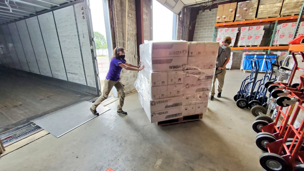 The City's response to coronavirus continues. OEM Covid-19 support staff received shipments today. We remain committed to delivering critical supplies to first-responders, frontline healthcare workers, and other vital locations. Thank you all who helped in the process!