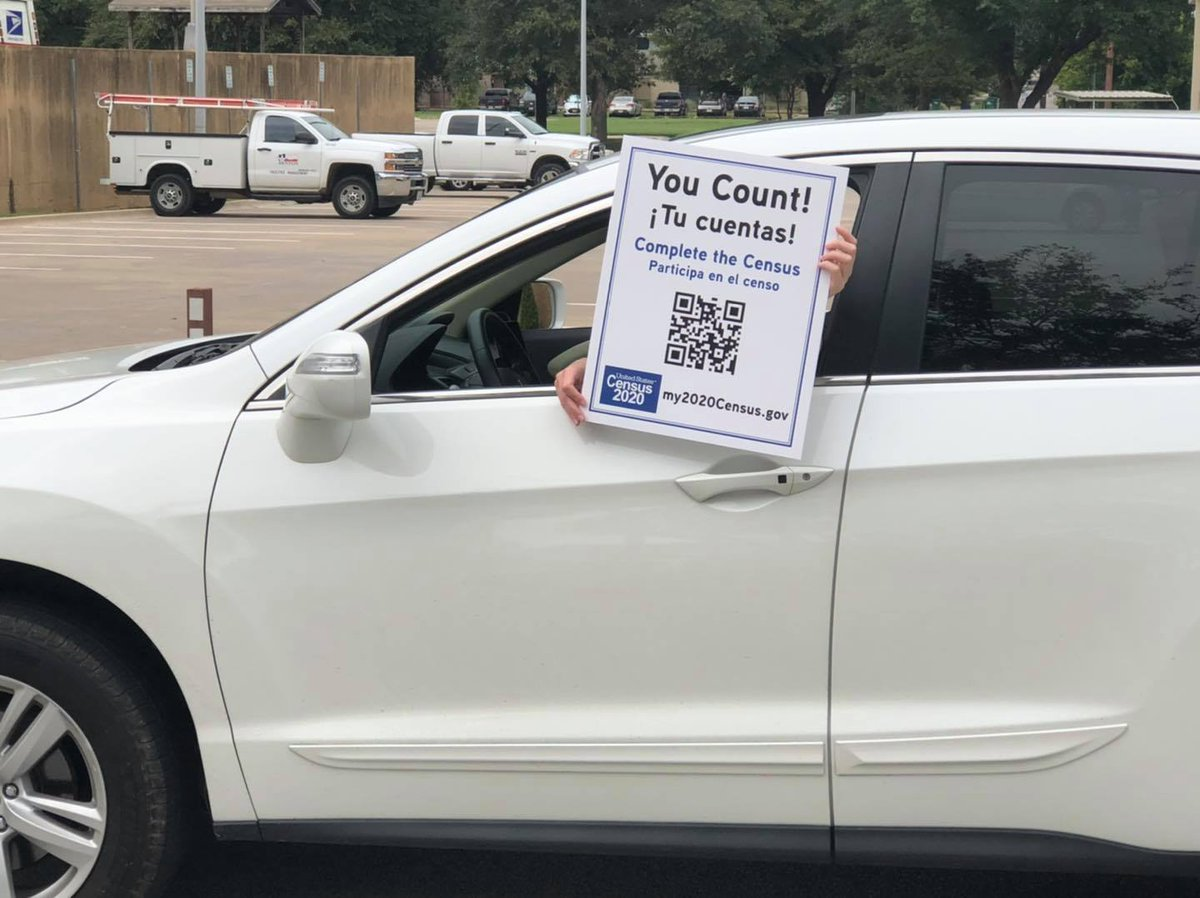 The Complete Count Committee will be traveling around areas near UNT this afternoon to remind Denton residents to complete the Census before Sept. 30. If you see them, please give them a friendly honk or a wave and remember to complete your Census! ➡️