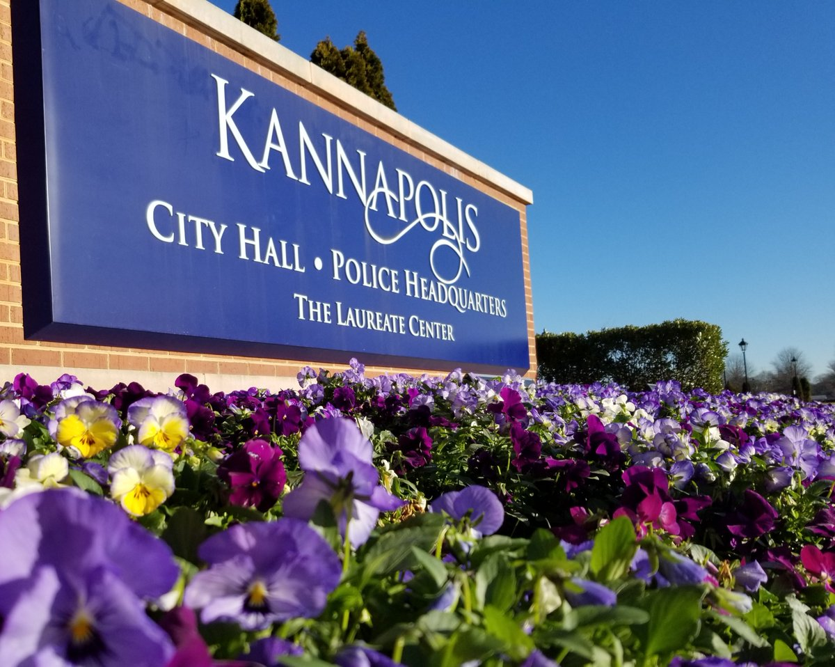 The Kannapolis City Council meets on the 2nd & 4th Monday of each month. Agendas for the meetings are available at   For information about the meeting, please visit