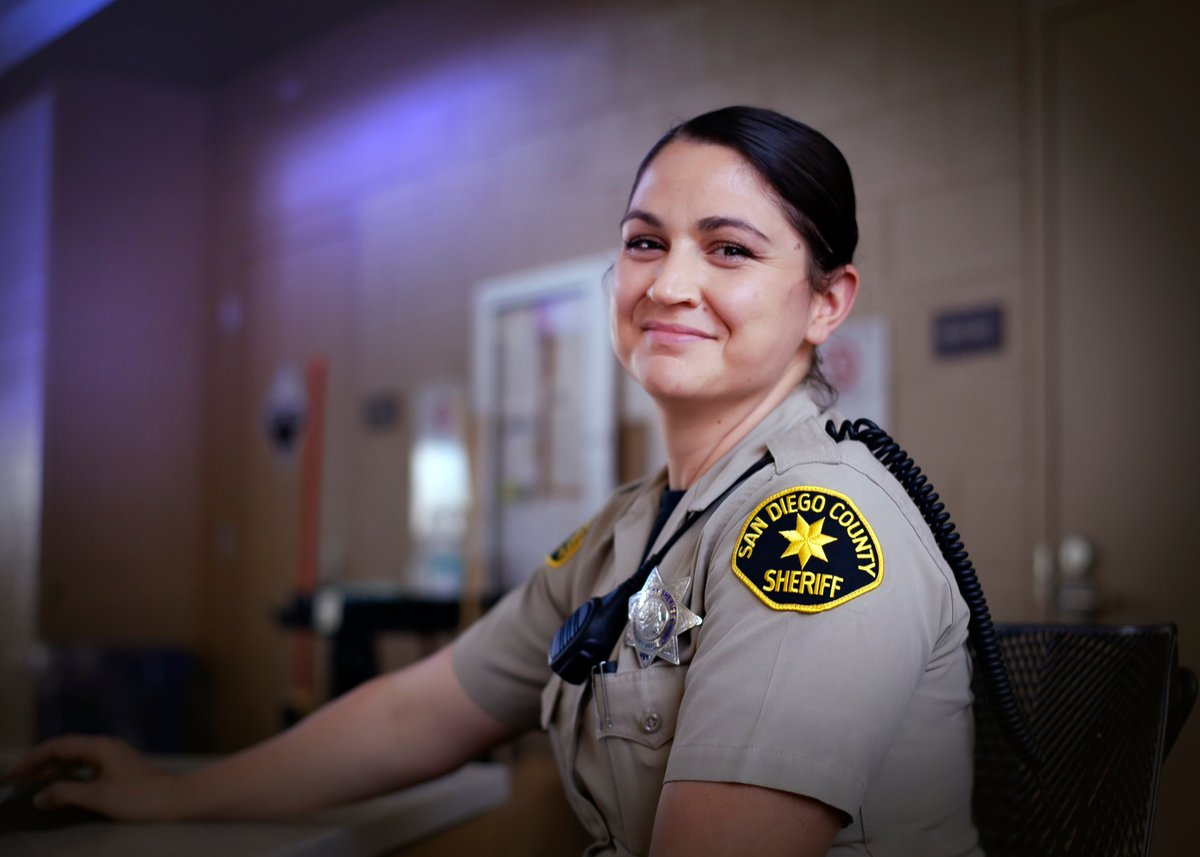 #HispanicHeritageMonth Meet Deputy Martin who works at Las Colinas Detention and Reentry Facility.  She uses her Spanish speaking skills to communicate w/ those in custody. The daughter of Mexican immigrants, she wanted to serve her community & become a deputy since high school.