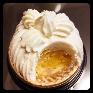 test ツイッターメディア - お初の味。 パレスホテルのマロンシャンティイ。栗の食感の残り加減がすばらしい😍 東京會舘とは似て非なる名と姿と味。 https://t.co/8zFOJCyPHb