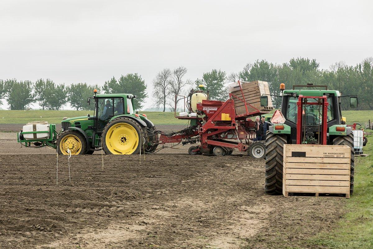 test Twitter Media - De techniek van variabel poten van aardappelen werkt volgens telers als een trein, toch is er volgens deelnemers aan de Nationale Proeftuin Precisielandbouw meer nodig om ervoor te zorgen dat variabel poten 'doorbreekt'. https://t.co/M4KYsiLg2m #proeftuinprecisielandbouw #nppl https://t.co/fysquGnrxU