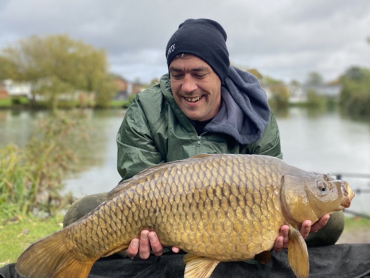 @TORBAIT1 Smashing this holiday park lol number 2 14lb common they getting bigger lol ud83dude02ud83