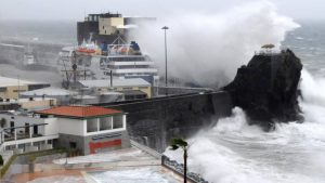 Porto Santo ferry cancelled Sunday and Monday  Bad weather causes early cancellation  JM reports that due to bad weather conditions foreseen for the next few days and widely publicized by various authorities, Porto Santo Line has announced that their Sunday and Monday t... https://t.co/o8nMtnKpJb