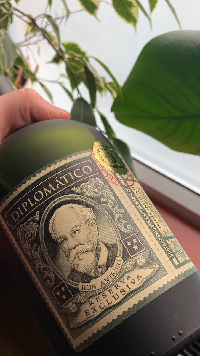 @DiplomaticoRum Reserva Exclusiva is a personal favourite #rum of mine - the chocolate and orange notes definitely appeal to my sweet tooth! What are you all drinking (responsibly) these days? https://t.co/GSmyUdFJZd