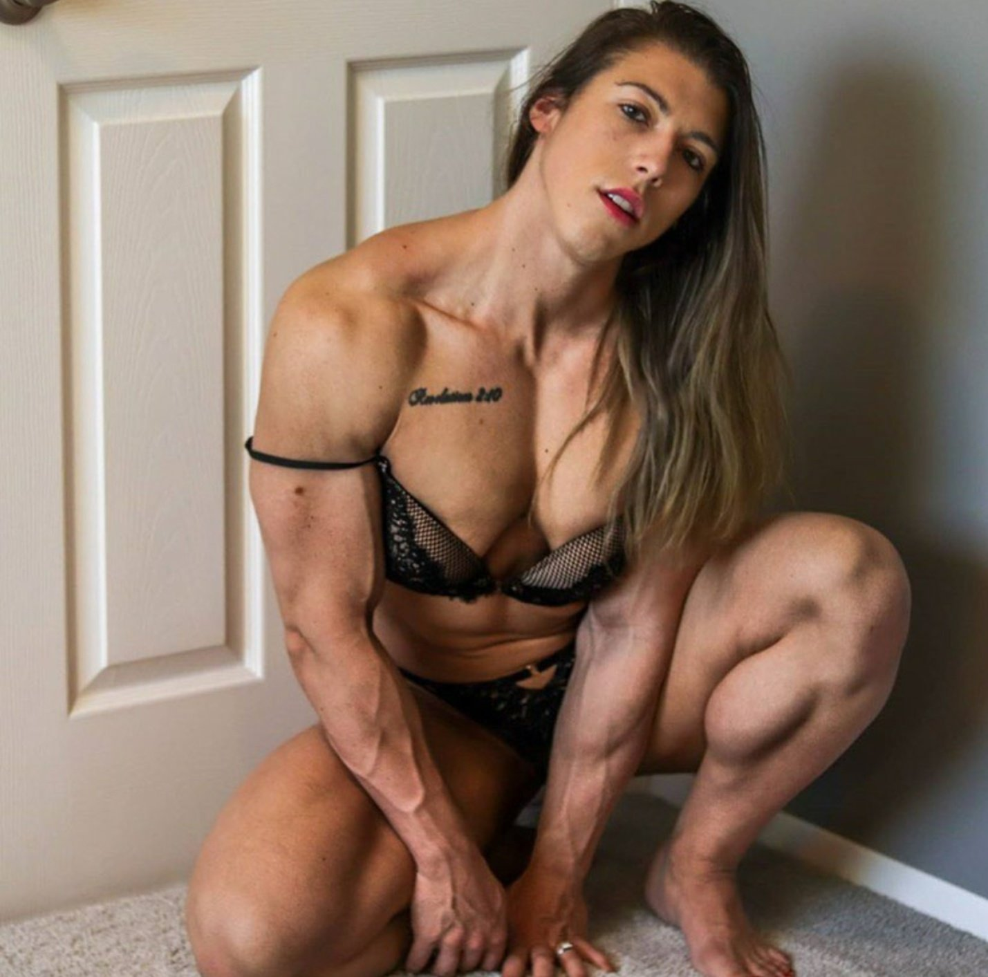 For super hot muscle beauties like @ShannonSeeley13 and so many more follow @bendtothetruth https://t.co/xKFw169rBa