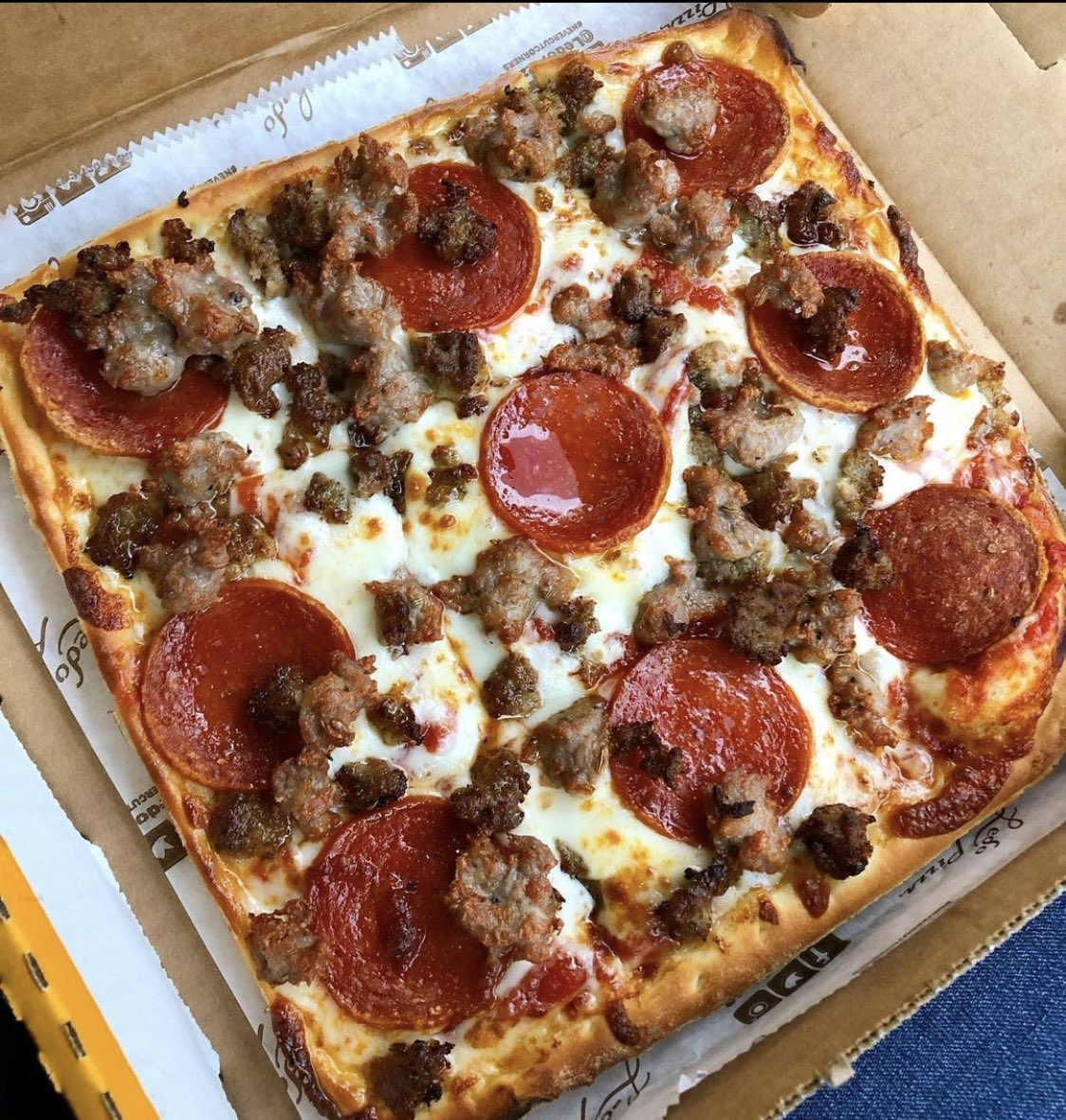 ‼️ #FridayFeeling GIVEAWAY ‼️  RETWEET & FOLLOW  for a chance to win a  $50 #LEDOPIZZA GIFT CARD!  (1 winner picked at 10pm 10/23/20)  🍁 Oktoberfest has arrived at Ledo Pizza, try our NEW Bavarian Soft Pretzel 🥨 appetizer!   Order Online!
