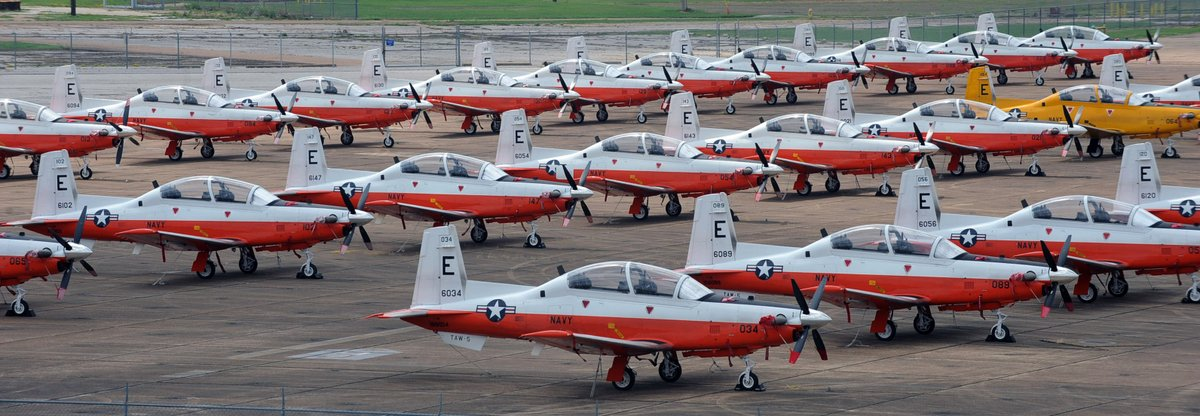 U.S. Navy T-6B Texan II aircraft crashes in Foley, Ala., aircrew doesn't survive