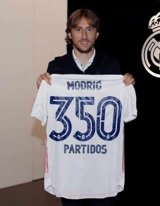 """👏 @lukamodric10 cumple 350 partidos con el Real Madrid:  """"A seguir sumando 🙌""""."""