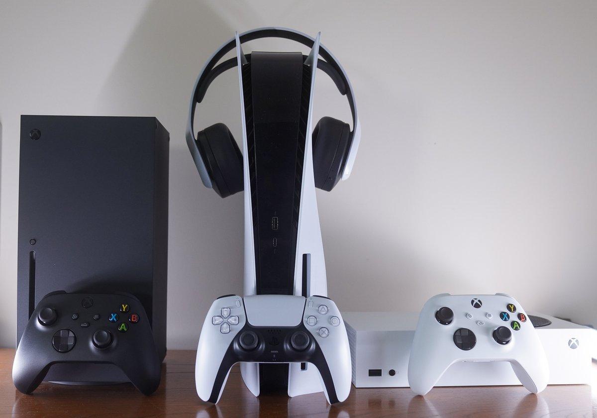 Next gen squad. It's a movie 🎥  #XboxSeriesX  #PlayStation5  #XboxSeriesS