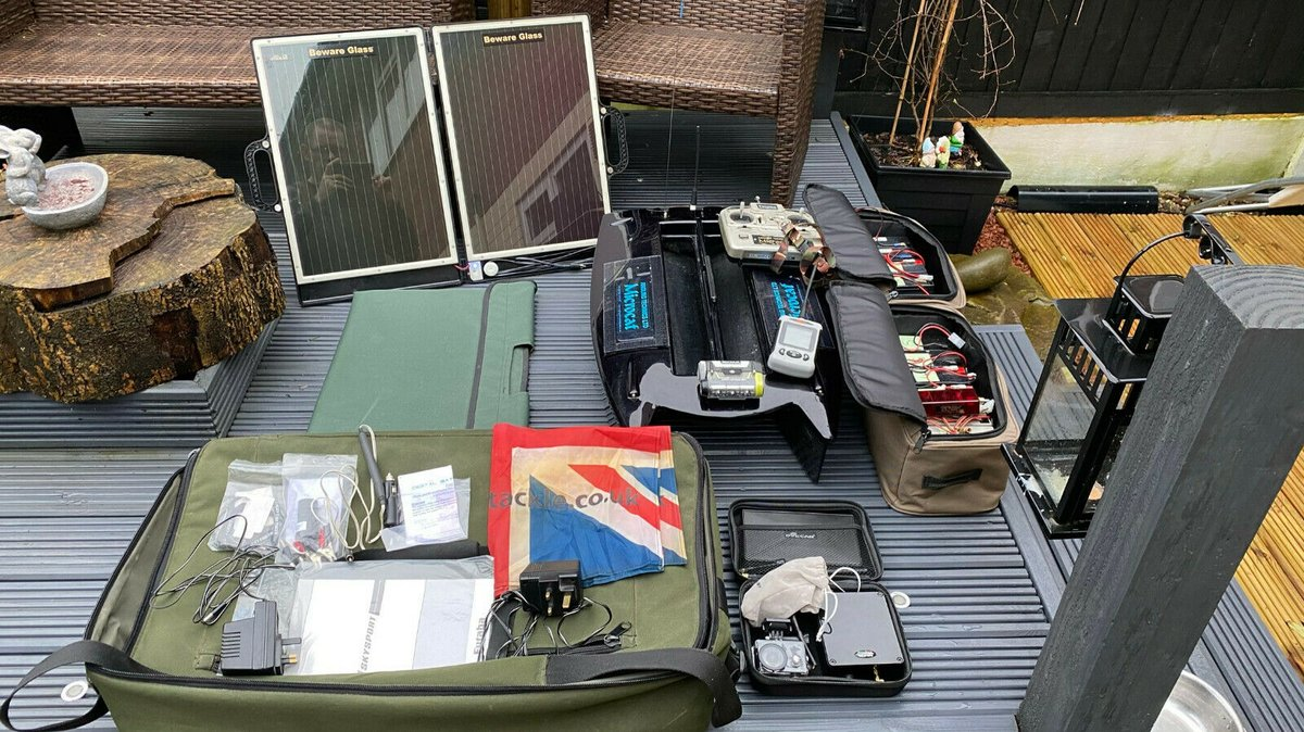 Ad - Angling Technics Microcat bait boat and lots of extras On eBay here -->> https://t.co/vpy