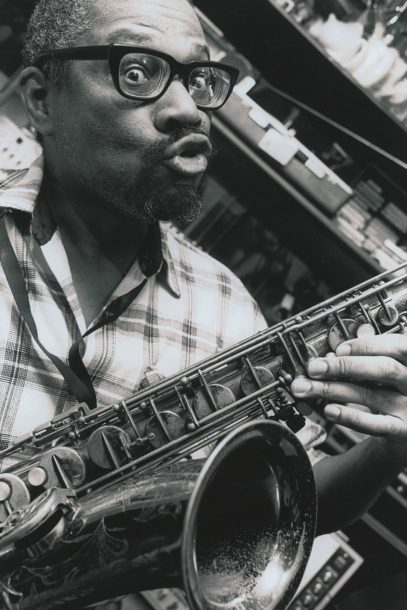 Sad to hear DC sax titan Andrew White died. Dude was funny, filthy, & a sui generis genius. Still have all his lo-fi LPs & CDs, kooky catalogs & 800-pg bio. I wrote & rewrote about him as often as I could. Here's two:  2001:   1996: